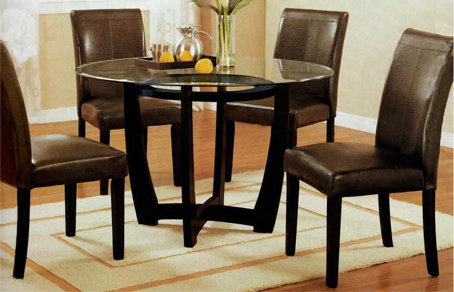 Roundhill Furniture
